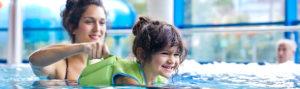 Schwimmen für Kinder – Schwimmkurs, Schwimmabzeichen & Zubehör